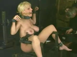 Electro Torture for Pussy