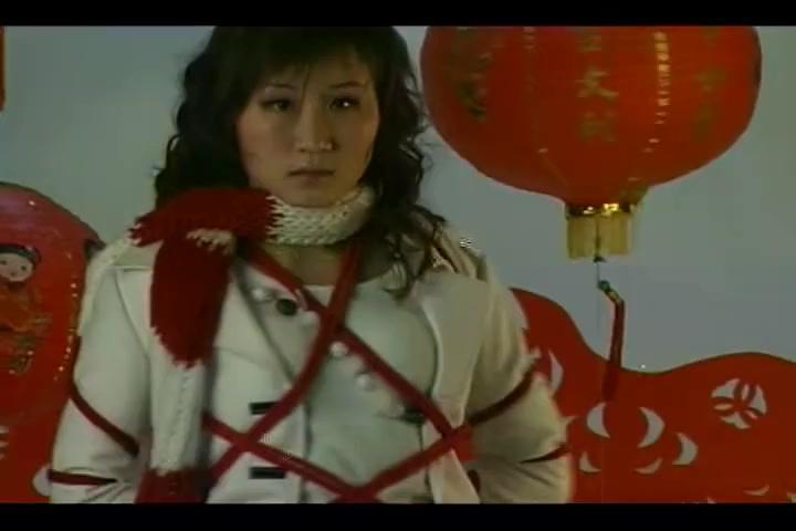 Asian Bondage in tight ropes