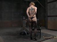 Head fucking machine meets Blondie on SB