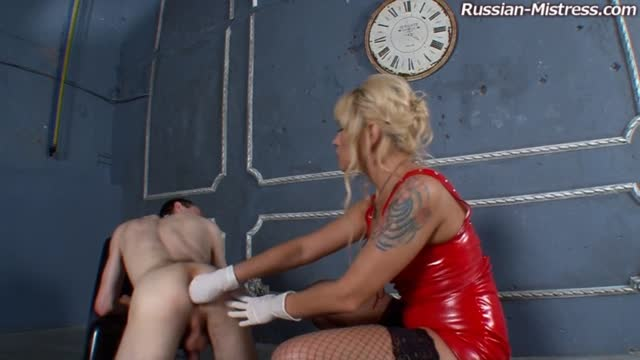 Mistress Simona fisting and pegging