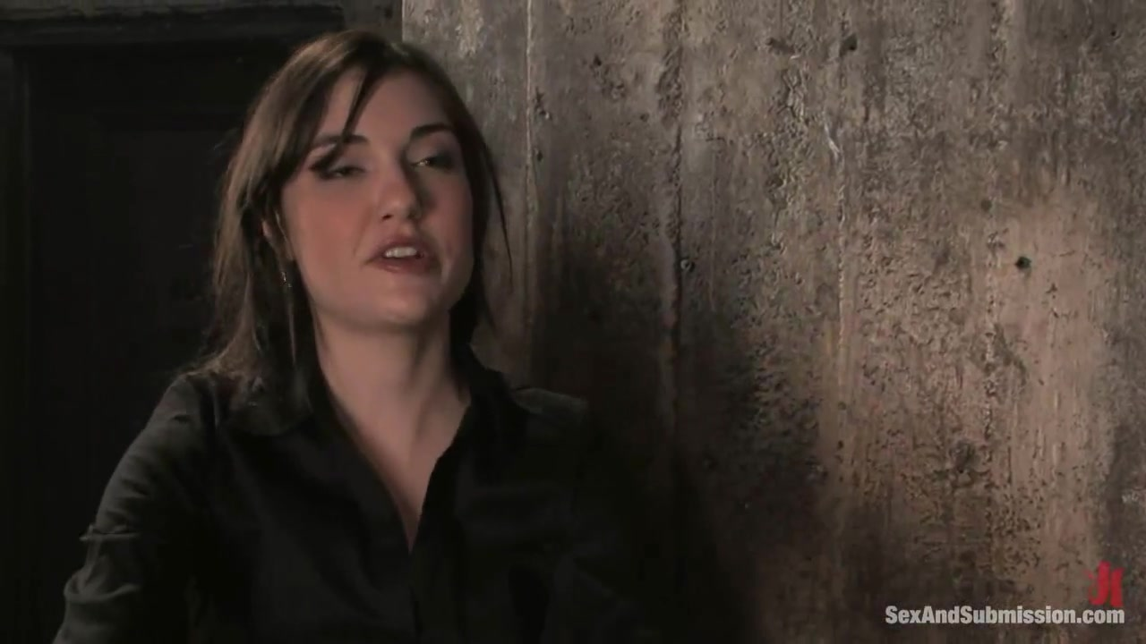Sasha Grey - The Kinky Journalist