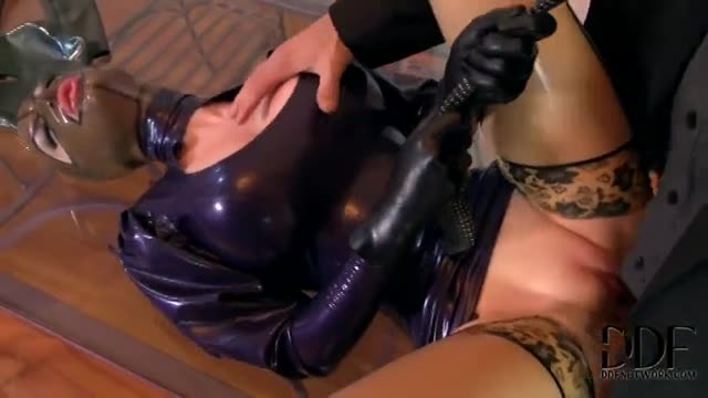 Latex Lucy on Threesome