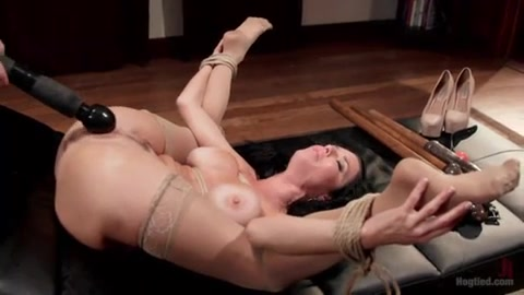 Veronica Avluv's Holes in Use