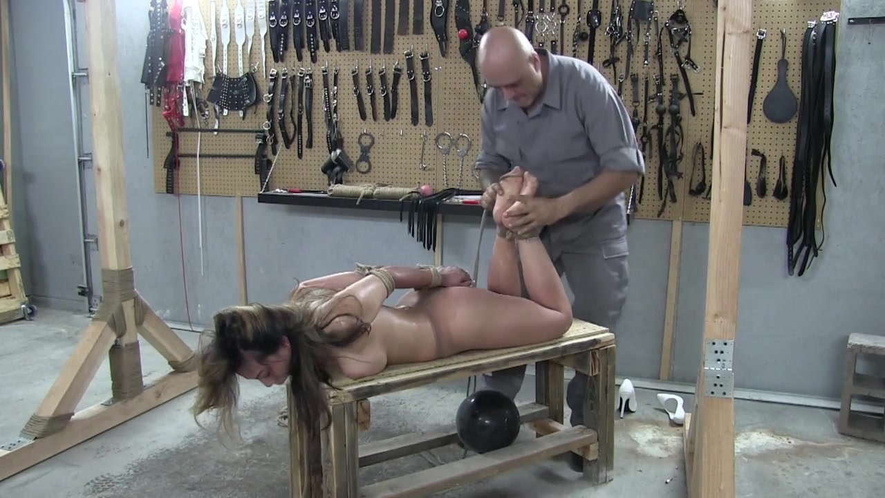 Tight extreme hogtie
