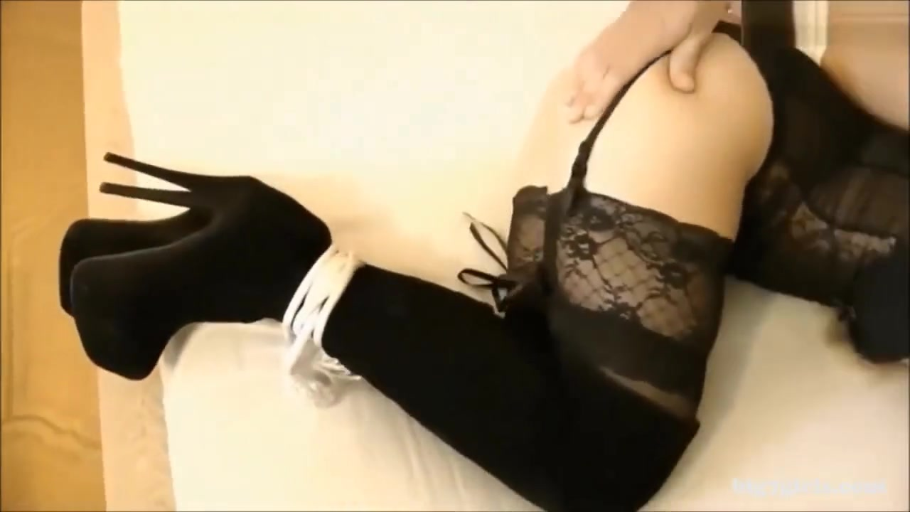 butt to mouth slut in ropes