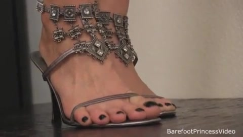 Barefoot Princess and slave's meat