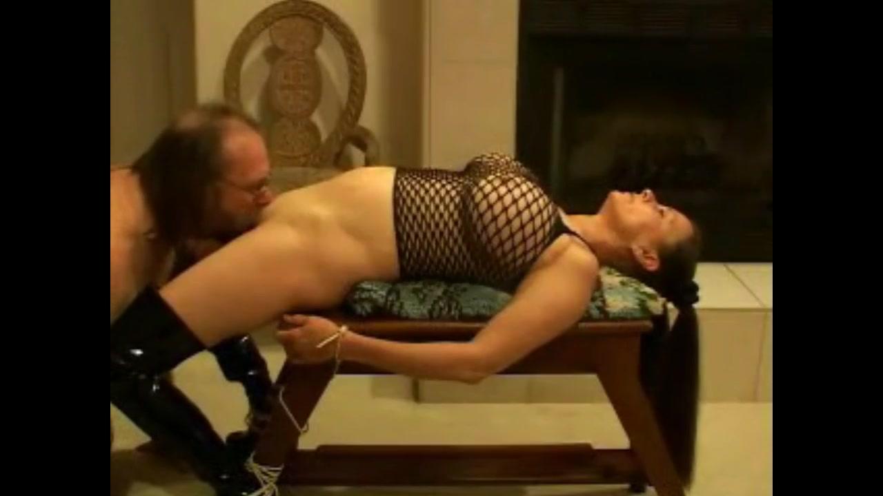 порно привязанный к стулу муж лижет разных позах дрочит