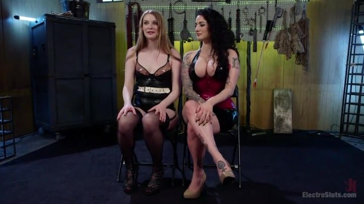 Electro ladies - Arabella Raphael and Ela Darling