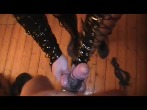 Tying the dong up - Homemade Femdom