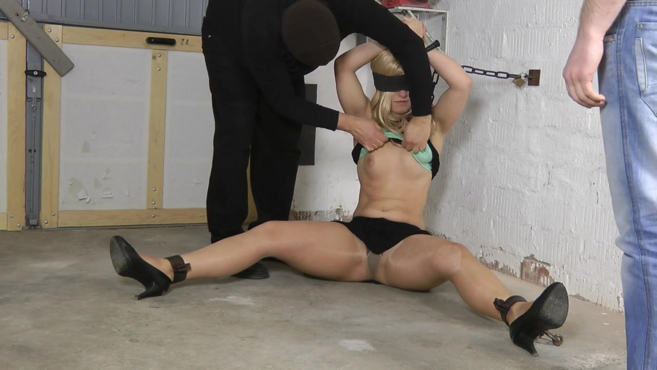 Slave broad Sophie in Chains