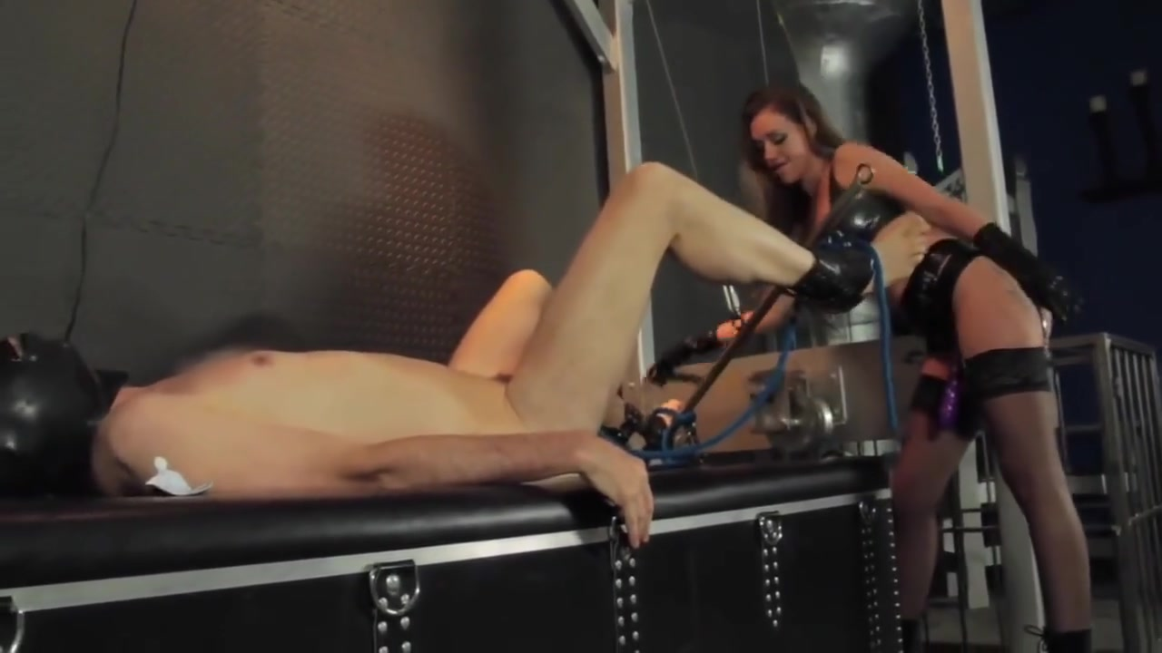 Lura Law - Pegging in Latex