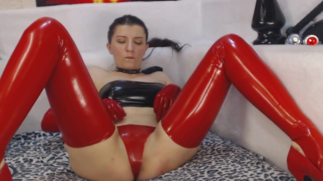 Russian Camgirl in Latex