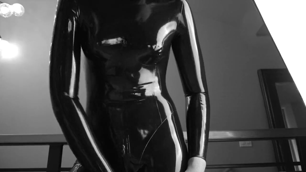 Dollification - Latex From Head to Toe