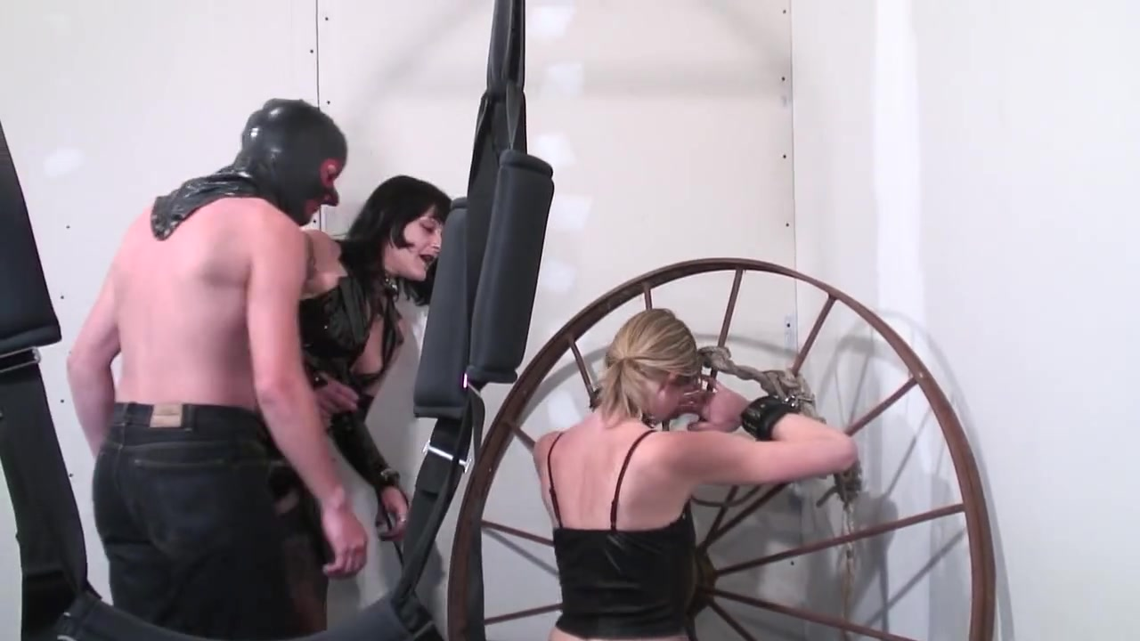 LHERMITE FAIT SON SM - Scene 1 - French BDSM