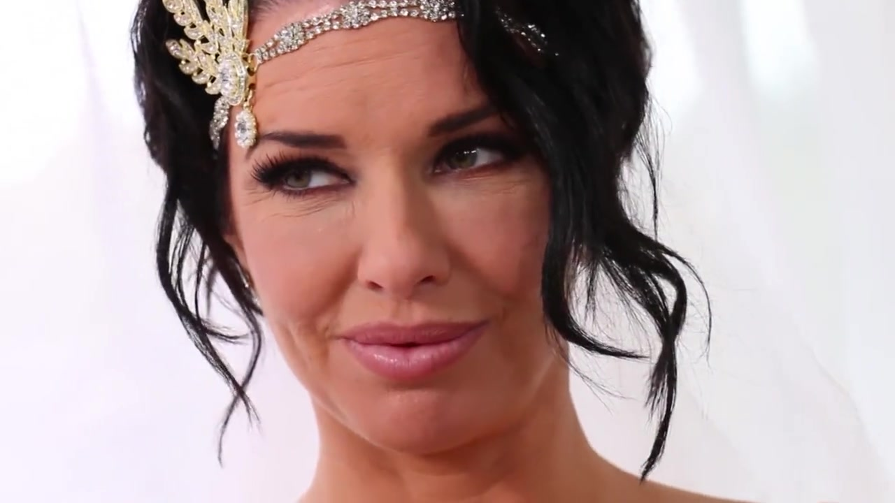 Veronica Avluv the Bride