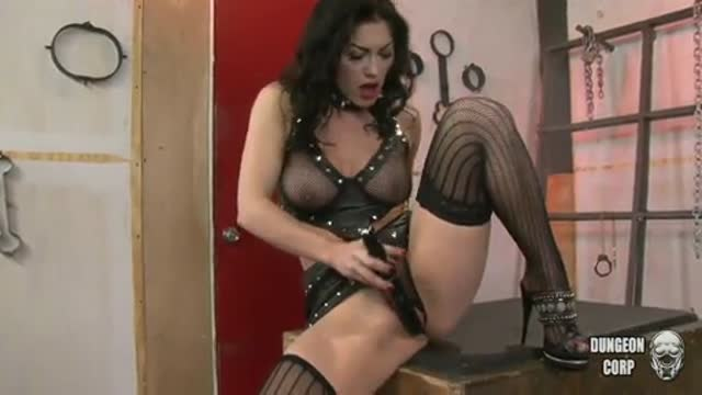 Kymberly Jane bound to be machine fucked
