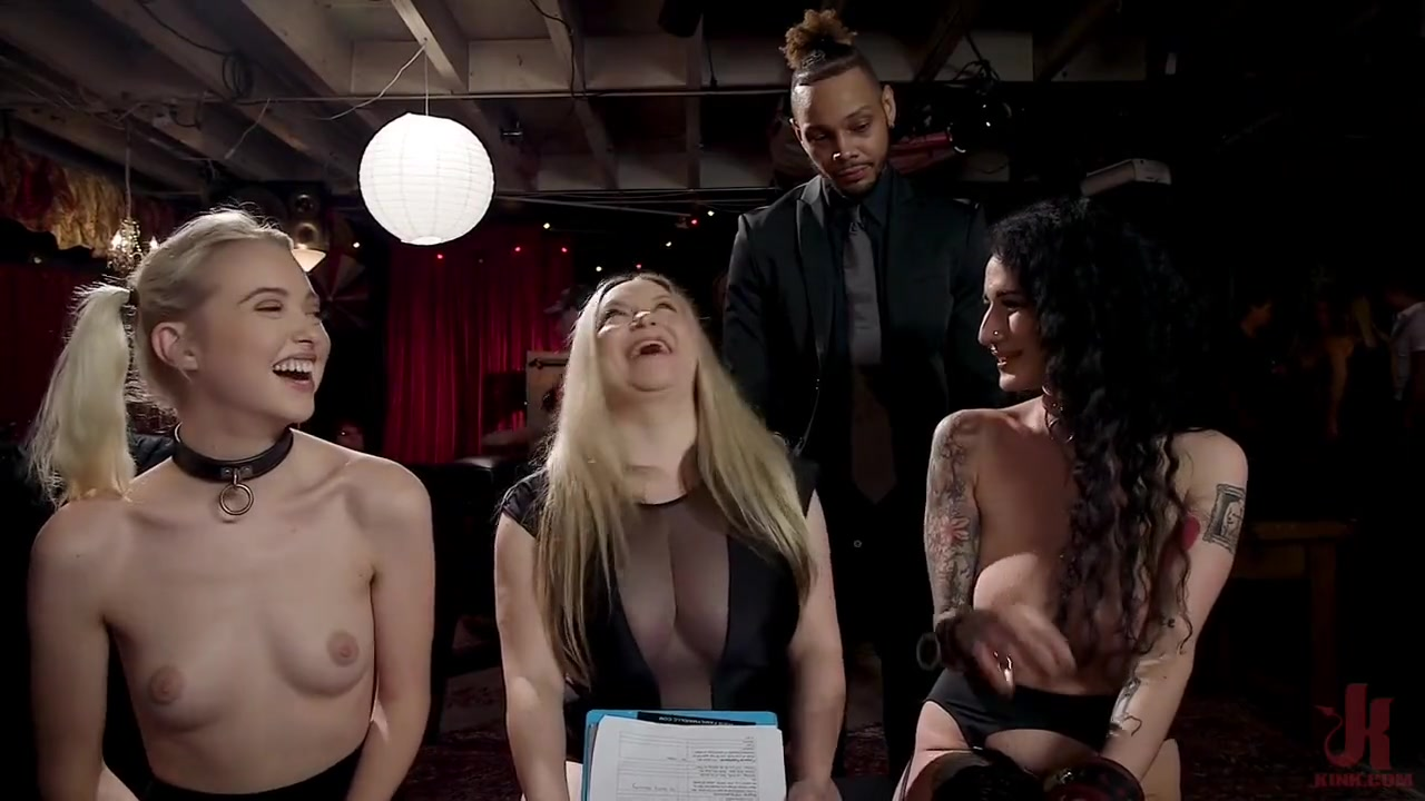 Aiden Starr, Arabelle Raphel and Chloe Cherry in Kink