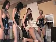 4 Dominas - Pegging Party