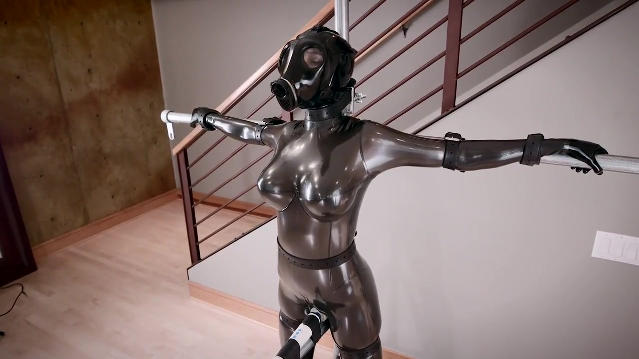 Gasmask and Latex