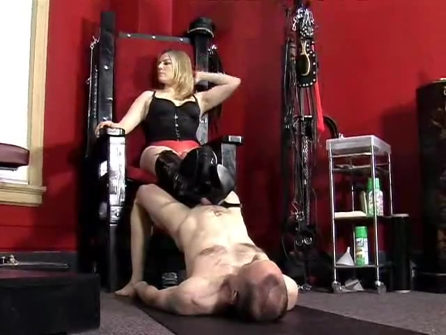 Elektra Skye Ballbusting and Whipping