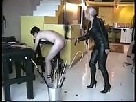 Leather Mistress punishes